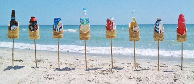 bamboo-drink-holder-stakes-for-beach-or-lawn-4